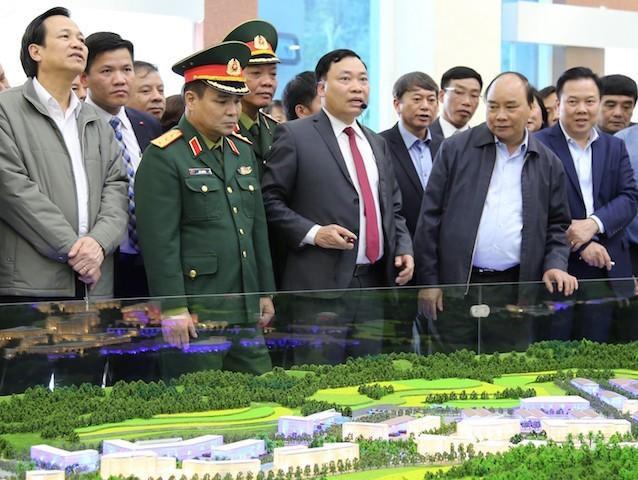 Thủ tướng Nguyễn Xuân Phúc thăm quân dân Trà Lĩnh - ảnh 1