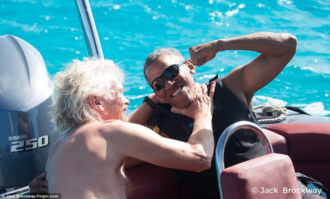 Ông Obama trổ tài lướt ván diều điêu luyện trên biển Caribbe - ảnh 4