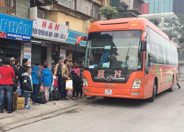 Thanh tra giao thông làm ngơ để xe trái tuyến lộng hành - ảnh 3