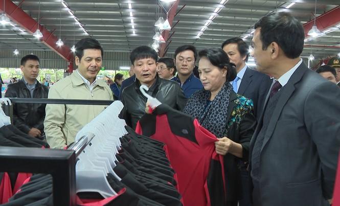 Chủ tịch Quốc hội Nguyễn Thị Kim Ngân làm việc với DN ở Thái Bình - ảnh 1