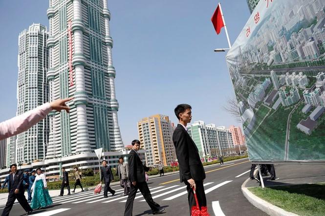 Khu phức hợp được Triều Tiên ví 'đáng sợ hơn trăm quả bom hạt nhân' - ảnh 4