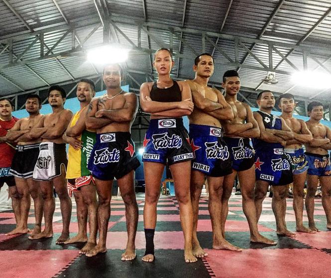 Người mẫu nóng bỏng bước lên sàn đấu Muay Thái - ảnh 13