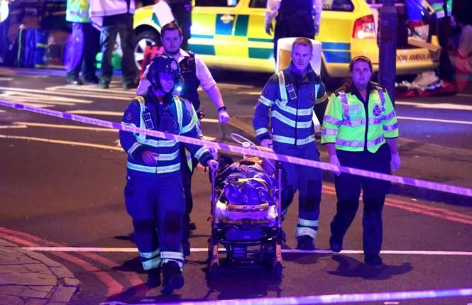 Vụ xe tải đâm người đi bộ ở London: Nghi tấn công có chủ đích - ảnh 5