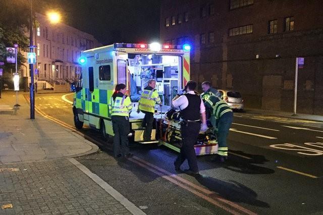 Vụ xe tải đâm người đi bộ ở London: Nghi tấn công có chủ đích - ảnh 7