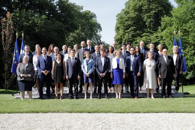 Nội các mới của ông Macron sau khi 4 Bộ trưởng đột ngột từ chức - ảnh 19