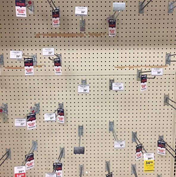 Người Mỹ vét sạch siêu thị vì siêu bão - ảnh 5