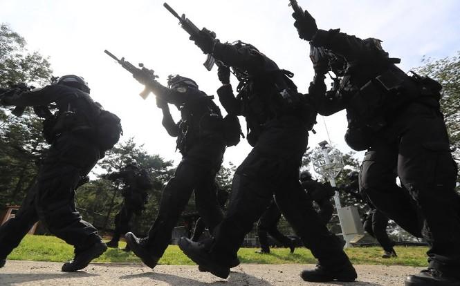 Thế giới tuần qua: Triều Tiên sôi sục, Syria mừng ngày giải phóng - ảnh 3