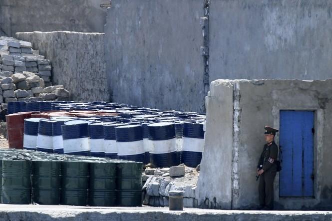 Lệnh trừng phạt mới có khiến Triều Tiên đầu hàng? - ảnh 1