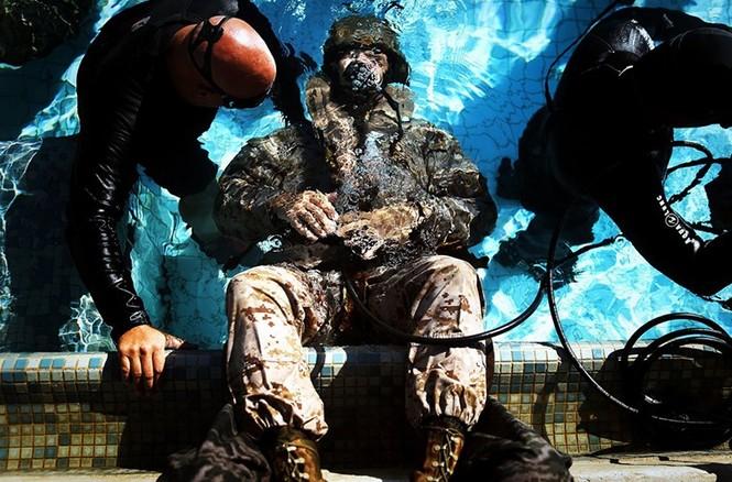 Mục kích lính thủy đánh bộ Mỹ 'huấn luyện địa ngục' - ảnh 9