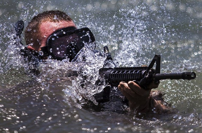 Mục kích lính thủy đánh bộ Mỹ 'huấn luyện địa ngục' - ảnh 3