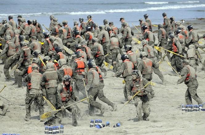 Mục kích lính thủy đánh bộ Mỹ 'huấn luyện địa ngục' - ảnh 4