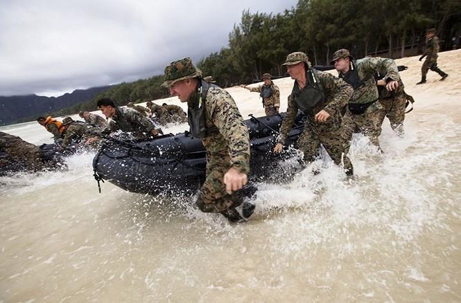 Mục kích lính thủy đánh bộ Mỹ 'huấn luyện địa ngục' - ảnh 7