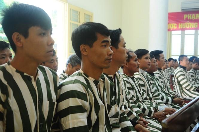 Phạm nhân vỡ òa hạnh phúc ngày được đặc xá, tha tù - ảnh 2