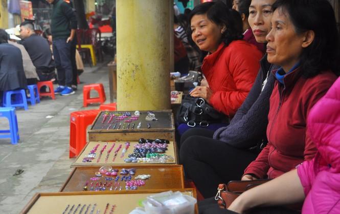 Chợ đá quý lớn nhất miền Bắc náo nhiệt dịp Tết - ảnh 2