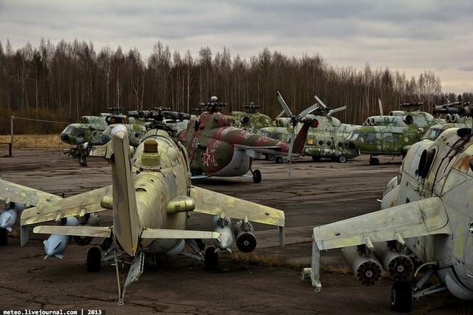 Lạc bước vào 'nghĩa địa' trực thăng quân sự Nga - ảnh 5