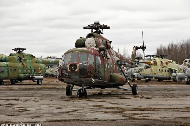 Lạc bước vào 'nghĩa địa' trực thăng quân sự Nga - ảnh 6