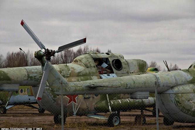 Lạc bước vào 'nghĩa địa' trực thăng quân sự Nga - ảnh 9