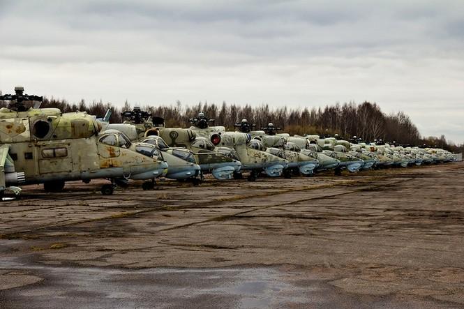 Lạc bước vào 'nghĩa địa' trực thăng quân sự Nga - ảnh 1