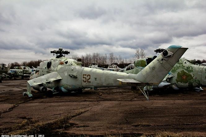 Lạc bước vào 'nghĩa địa' trực thăng quân sự Nga - ảnh 4