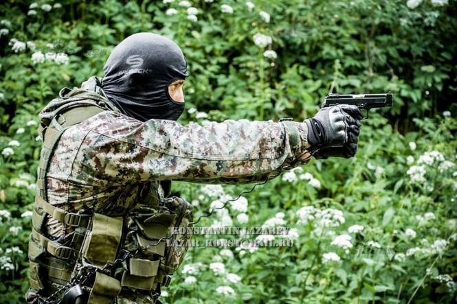 Cảnh sát đặc nhiệm Nga dùng súng lục phương Tây - ảnh 4