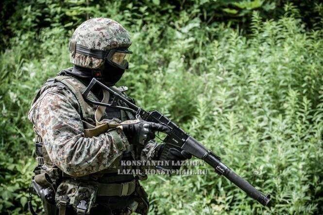 Cảnh sát đặc nhiệm Nga dùng súng lục phương Tây - ảnh 3