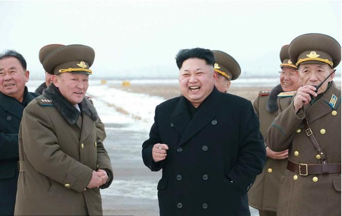 Nữ phi công chiến đấu bật khóc khi gặp ông Kim Jong-un - ảnh 3