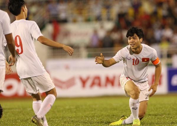 U23 Việt Nam vs U23 Malaysia (3-0): 'Hái lộc' đầu năm - ảnh 11