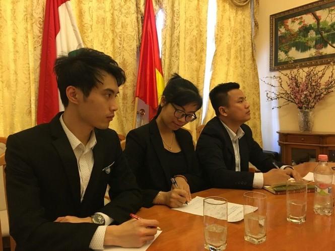 Giao ban trực tuyến với sinh viên Việt Nam tại 7 nước - ảnh 2