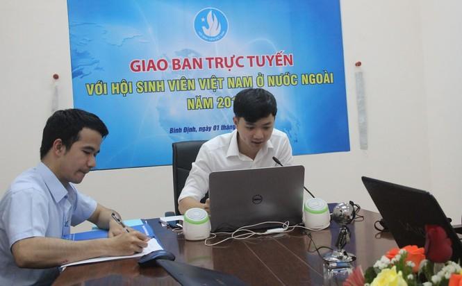 Giao ban trực tuyến với sinh viên Việt Nam tại 7 nước - ảnh 1