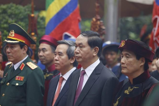 Chủ tịch nước dâng hương tưởng nhớ các Vua Hùng - ảnh 1