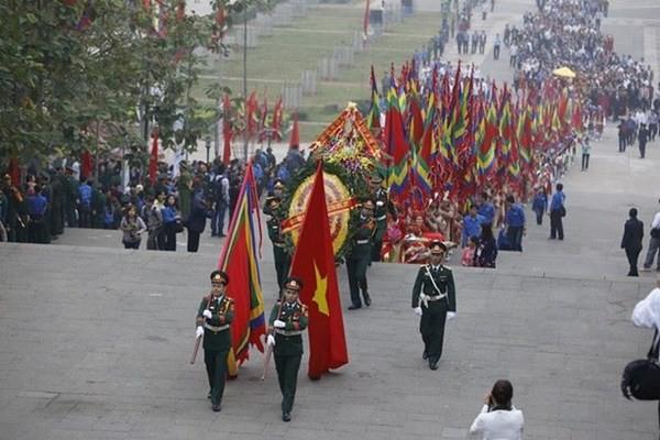 Chủ tịch nước dâng hương tưởng nhớ các Vua Hùng - ảnh 6