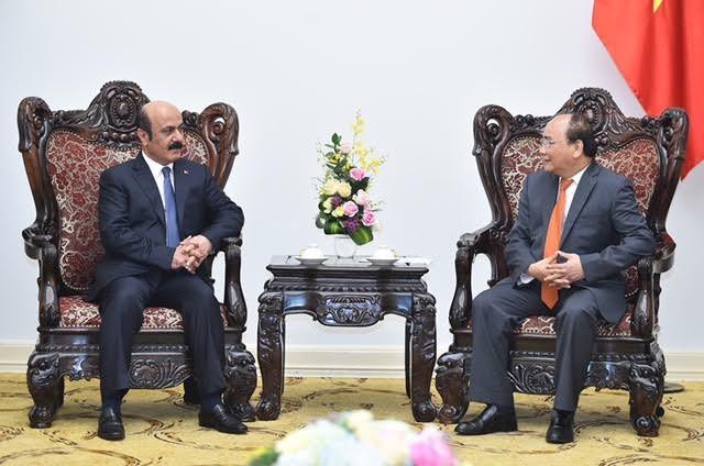 Thủ tướng tiếp đại sứ Myanmar và Qatar - ảnh 1