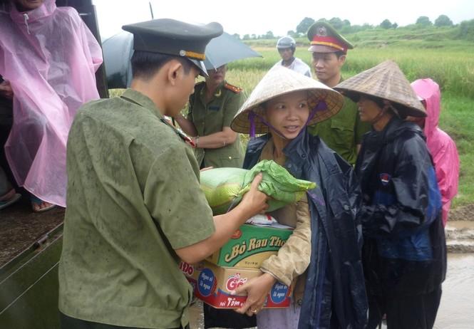 Tình nguyện lập công vì an ninh Tổ quốc - ảnh 4