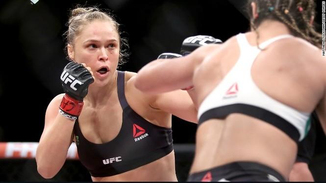 'Nữ hoàng' võ đài UFC Ronda Rousey sắp lên xe hoa - ảnh 1
