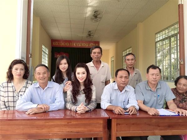 Á Hậu Thái Như Ngọc tặng quà cho người nghèo ở Kiên Giang  - ảnh 7