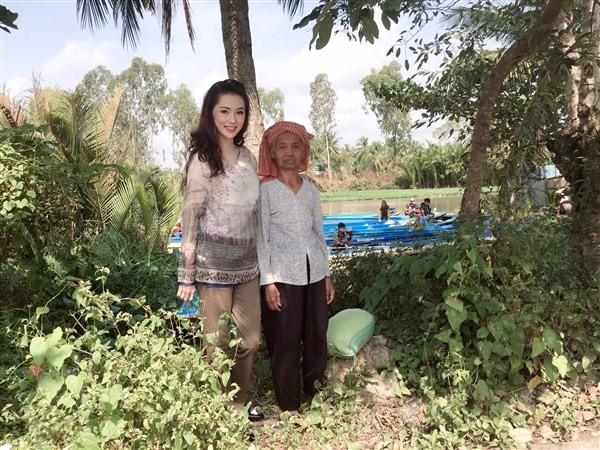 Á Hậu Thái Như Ngọc tặng quà cho người nghèo ở Kiên Giang  - ảnh 9