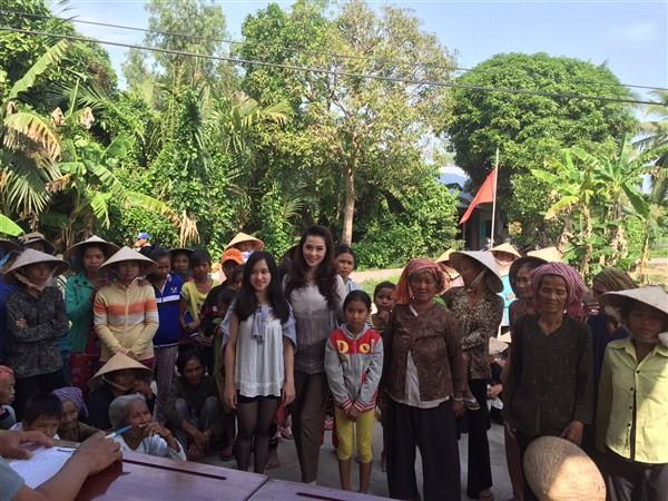 Á Hậu Thái Như Ngọc tặng quà cho người nghèo ở Kiên Giang  - ảnh 3