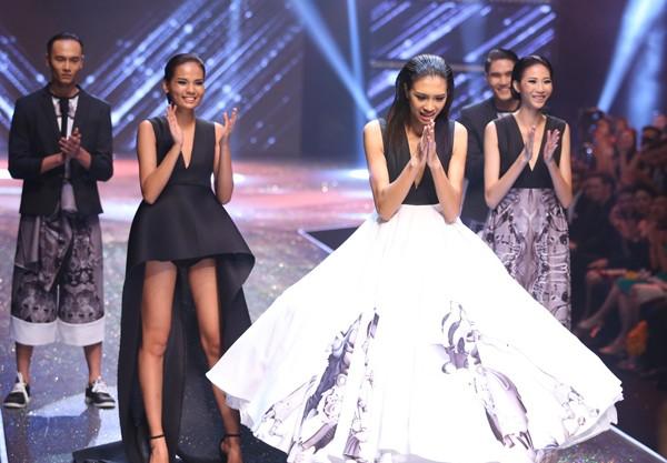 Vietnam's Next Top Model 2014 bất ngờ có 2 quán quân - ảnh 1