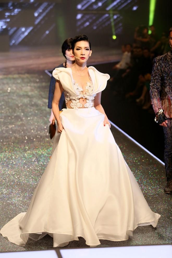 Vietnam's Next Top Model 2014 bất ngờ có 2 quán quân - ảnh 2