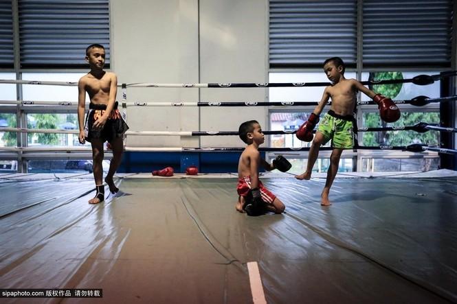 """Trẻ em """"bán"""" tuổi thơ tập luyện Muay Thái mong thoát nghèo - ảnh 15"""