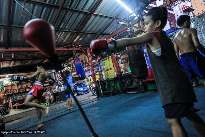 """Trẻ em """"bán"""" tuổi thơ tập luyện Muay Thái mong thoát nghèo - ảnh 6"""