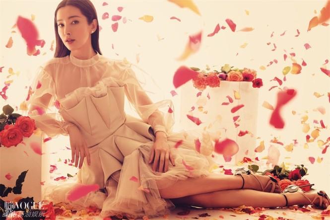 Vẻ đẹp ngoại tứ tuần thách thức thời gian của Lý Băng Băng - ảnh 3