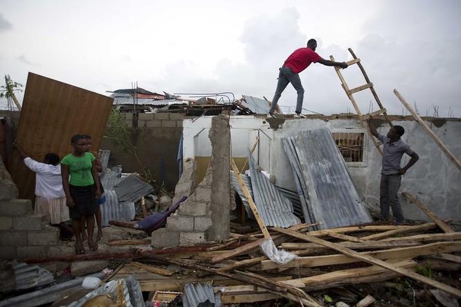 Bão kinh hoàng tàn phá Haiti, 261 người thiệt mạng - ảnh 9