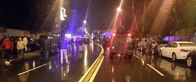 Hiện trường vụ xả súng kinh hoàng đêm giao thừa ở Thổ Nhĩ Kỳ - ảnh 9