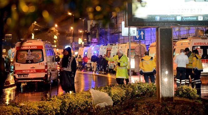 Hiện trường vụ xả súng kinh hoàng đêm giao thừa ở Thổ Nhĩ Kỳ - ảnh 1