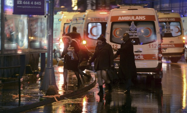 Hiện trường vụ xả súng kinh hoàng đêm giao thừa ở Thổ Nhĩ Kỳ - ảnh 2