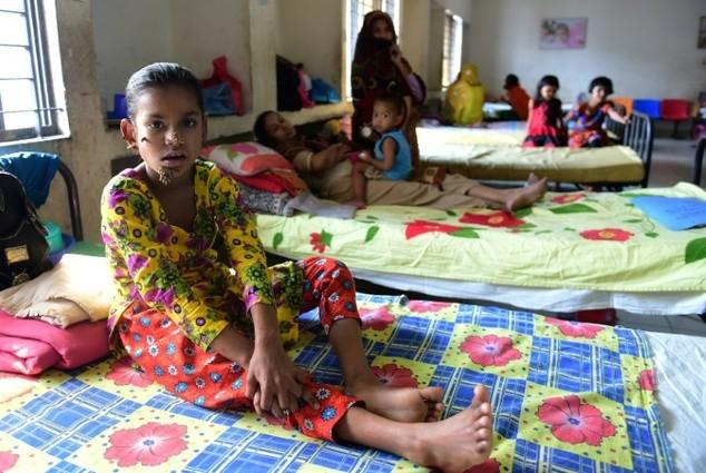 Kỳ lạ cô bé 'người cây' ở Bangladesh - ảnh 1