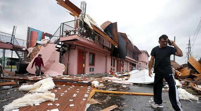 Lốc xoáy kinh hoàng ập vào Mỹ, tường NASA đổ sập - ảnh 6