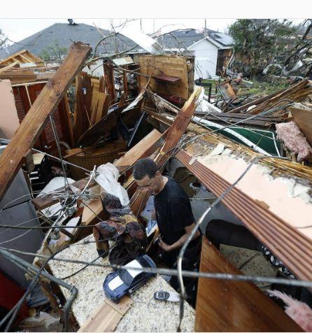 Lốc xoáy kinh hoàng ập vào Mỹ, tường NASA đổ sập - ảnh 7