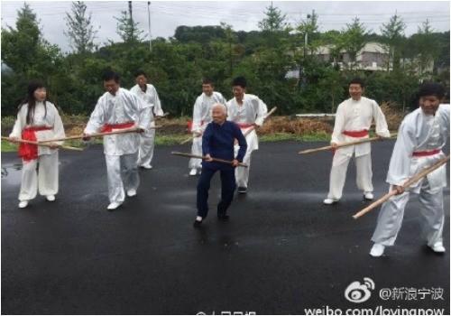 90 năm luyện võ, cụ bà múa côn, đi quyền khiến trai tráng phát hờn - ảnh 3